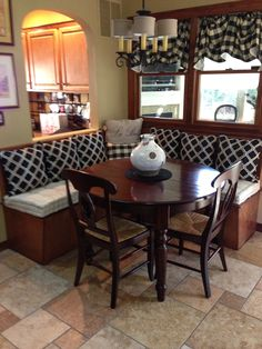 Kitchen Banquette.  This is the color combo