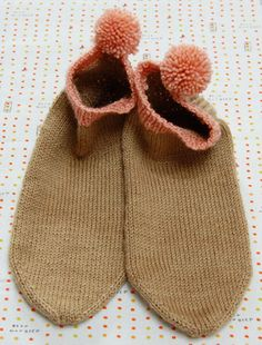 The Pom Pom Peds. The pattern is described as being perfect for beginner sock knitters.  And, it's free!