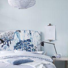 Svalt och ljuvligt ljusblått - mer inspiration till #sovrum i nya numret, ute nu! #nyttnr #skönahem #inredning #inspiration