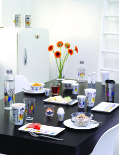 Start the morning with Poul Pava. #poulpava #colorful #art #design #morning #tablesetting #setup #products