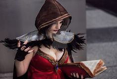 Female genderbent Medivh cosplay from World of Warcraft. Cosplayed by GeekyRed Cosplay. Image by AshB Images.