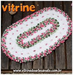 Tapete Jardineira criado pela artesã Maria José com a técnica de crochê.