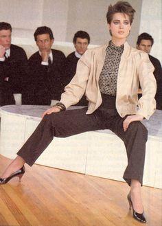 isabella_rossellini_ Roberto Rossellini, Isabella Rossellini, Swedish Actresses, Ingrid Bergman, Italian Actress, Beautiful Actresses, Most Beautiful Women, Style Icons, Supermodels
