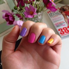 different colour nails summer