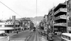 50年代、麗的呼聲…麗的電視前身,左邊路口為…軍器廠街,