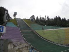 The Norwegian Marius Lindvik won in Innsbruck at Bergisel ski jump the third event in the Lindvik also won in Garmisch-Partenkirchen. Ski Jumping, Innsbruck, Jumpers, The Row, Skiing, Third, Competition, January, Places To Visit