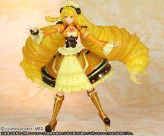 Vivid Yellow 1/7 Figure ~ Vividred Operation **Preorder**