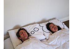 Dreamy Pillowcases      寝てる間も思ってるよ。2つで1つの枕カバーセット。アツアツの仲良しカップルにピッタリのアイテムですが、ちょっと対象範囲を広げて考...
