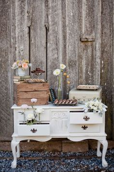 Rustic Cake and Pie Display | Retrospect Images | Styling Guide for a Rustic Modern Wedding with Graphic Details and Tassel Garlands