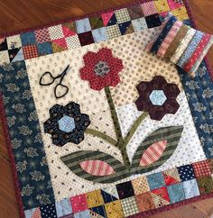 My Hexagon Garden quilt from Small and Scrappy is the small quilt challenge for my online groups this month. This one was so much fun to… Hexagon Patchwork, Hexagon Quilt, Quilt Block Patterns, Applique Patterns, Applique Quilts, Quilt Blocks, Patchwork Ideas, Small Quilts, Mini Quilts