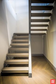 Luxurious penthouse Linda Lagrand Modern Staircase Lagrand linda Luxurious penthouse … – Famous Last Words Staircase Interior Design, Home Stairs Design, Stairs Architecture, Railing Design, Interior Architecture, Rustic Staircase, Staircase Railings, Modern Staircase, Spiral Staircases