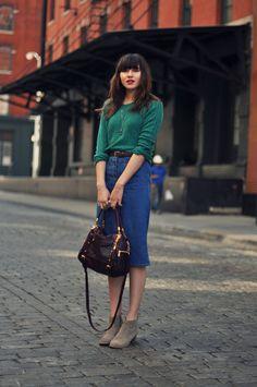 Ideas for how to wear denim skirt winter Denim Skirt Outfit Winter, Denim Skirt Outfits, Denim Skirts, Denim Dresses, Mode Chic, Mode Style, Style Blog, Denim Fashion, Fashion Outfits
