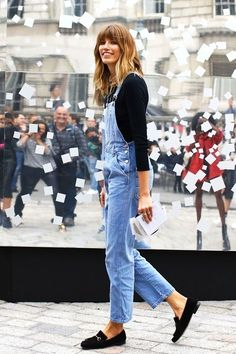 Veronika Heilbrunner Black Gucci loafers and a long denim overall London Fashion Weeks, Paris Fashion, Casual Styles, Denim Fashion, Look Fashion, Net Fashion, Female Fashion, Mocassin Gucci, Gucci Loafers