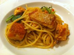 Crispy salmon spaghetti