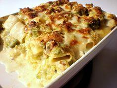 mezze maniche al forno con broccolo romano e stracciatella di burrata                     #recipe #juliesoissons