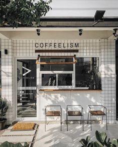 Love this coffee shop with a walk up take out window. Small Coffee Shop, Coffee Store, Coffee Market, Cafe Shop Design, Cafe Interior Design, Café Restaurant, Restaurant Design, Modern Restaurant, Design Café