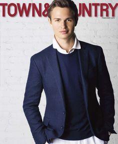 Ansel Elgort est habillé en Ralph Lauren pour la couverture du numéro de février 2015 du magazine Town & Country