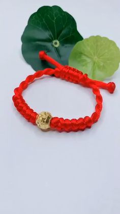 Braided Friendship Bracelets, Diy Friendship Bracelets Patterns, Diy Bracelets Video, Hemp Bracelets, Handmade Bracelets, Diy Crafts Jewelry, Bracelet Crafts, Bracelet Tutorial, Macrame Tutorial