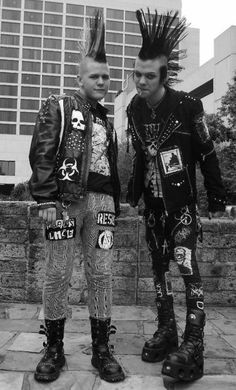 Two male punks with mohawks                                                                                                                                                                                 Mais