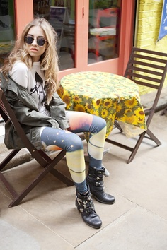 Char waiting for me at a coffee shop that serve freshly squeezed juice out of mason jars. She it totally rocking this 'op shop' look. Except for the boots, leggings and jacket that she got from 'Cotton On'. We're about to watch Empire Records on video.