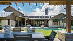 Incredible outdoor entertainment area! The Reserve Parade Farmhouse