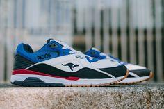 La Runaway ROOS 001 profite de notre intérêt pour les modèles rétro en mettant en avant toutes les composantes 90's. La silhouette pour commencer : un peu pataude, un peu lourde, loin des runnings fines et complexes produites aujourd'hui. La forme est allongée, ronde de part et d'autre de la paire. La pointe se redresse légèrement à l'avant, favorisant une foulée agréable aux joggers qui la portaient pour courir.   #mode #style #baskets #colors #shoes #comfy  #runaway #kangaroos…