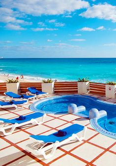 All-Inclusive Resort - Breezy Beaches and Upscale Luxury in Cancun