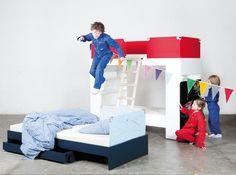 Aus dem Bett wird flugs ein Hochbett mit Bibliothek. Bean Bag Chair, Furniture, Home Decor, Elevated Bed, Decoration Home, Room Decor, Home Furnishings, Bean Bags, Arredamento