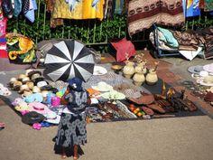 Durban ist bei vielen Südafrikareisen lediglich eine Durchgangsstation, lohnt aber auf jeden Fall einen mehrtägigen Aufenthalt. Unsere 10 besten Tipps für Durban findet Ihr in unserem Blog! Safari, Picnic Blanket, Outdoor Blanket, Blog, Cape Town, Travel Advice, Blogging, Picnic Quilt