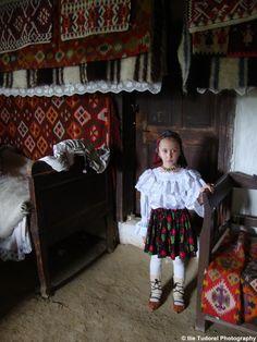 Ziua Universala a iei romanesti Universal Day of the Romanian Blouse 2015 Photo Blog, Tudor, Romania, Toddler Bed, Blouse, Day, Photography, Home Decor, Folklore
