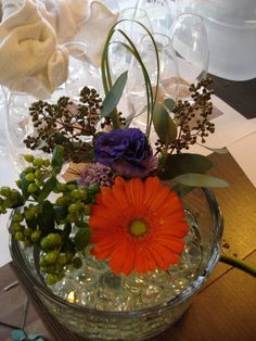 Gerbera daisy and lizianthus