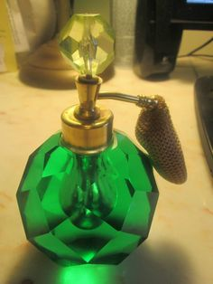 VINTAGE EMERALD GREEN HEAVY FACETED PERFUME BOTTLE, 50s'
