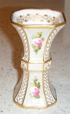 UNUSUAL EARLY 19TH CENTURY  ENGLISH PORCELAIN SMALL VASE