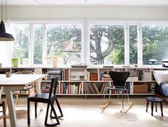 Really nice studio!    .Hansol Kim via Elena Cainas onto Home with books