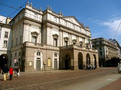 Milan- Opera House by Laura Gurton, via Flickr