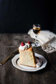 Fluffosa Babà al gusto vaniglia e rum | Ricordi e Tradizioni