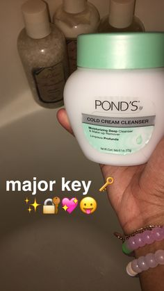 Hella recommend this once u use it when taking off your makeup it makes your skin glow put it at night and all the pimples will disappear to make it work use it every night trust me✨🙌🏼 Beauty Care, Beauty Skin, Beauty Hacks, Face Skin, Face And Body, Aloe Vera, Glo Up, Body Hacks, Skin Makeup