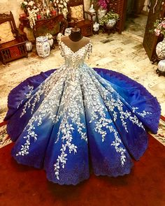 Brides are snapping up these beautiful wedding gowns Pretty Quinceanera Dresses, Cute Prom Dresses, 15 Dresses, Ball Dresses, Pretty Dresses, Ball Gowns, Fashion Dresses, Stunning Dresses, Beautiful Gowns