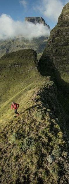 Ryan Sandes: DrakensbergGrandTraverse