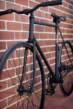 matte black fixie bike black sadle black wheels Like & Repin. Noelito Flow. Noel http://www.instagram.com/noelitoflow