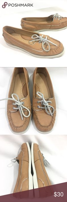 Sebago Docksides Tan Leather Boat Shoes Size 8.5 M Sebago Docksides Tan Leather Boat Shoes Size 8.5 M. Style : Dock 2 Eye. Soft tan leather, silver leather laces. Excellent preowned, clean. From my non smoking home. Sebago Shoes Flats & Loafers