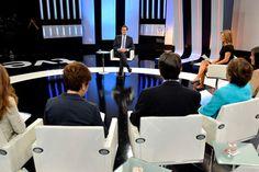 """Cinco periodistas """"de élite"""" se enfrentan a Rajoy en TVE   (con vídeo)     - Rajoy, que tardó ocho segundos en comenzar a responder a María Casado a su pregunta sobre un posible rescate, prometió no tocar las pensiones ni aceptar que le diga la UE dónde recortar  - Uno de los puntos primordiales de la entrevista apuntaba a la reclamación del a Generalitat de Cataluña."""