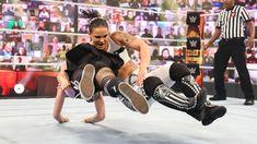 Alexa Bliss vs. Shayna Baszler: photos Shayna Baszler, Wwe Pay Per View, Mind Games, Wwe Photos, Superstar, Bliss