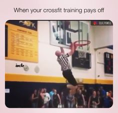 Not all heroes wear capes🤣 funny gif funny girls funny hilarious funny humor funny memes funny moments legends Funny Basketball Pictures, Funny Basketball Memes, Soccer Humor, Volleyball Funny, Baseball Memes, Softball, Funny Nba Memes, Stupid Funny Memes, Hilarious