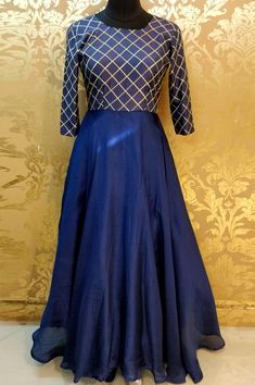 Girls Frock Design, Long Dress Design, Lehenga Gown, Anarkali Dress, Anarkali Suits, Half Saree Designs, Dress Designs, Art Designs, Designer Party Wear Dresses