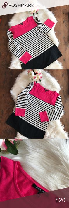 Cable & Gauge Sweater EUC. Pretty sweater mixing two of my favorite colors together; pink and black. Love this sweater! Cable & Gauge Sweaters Crew & Scoop Necks