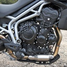 triumph motorcycle engines | 2011 Triumph Tiger 800 XC Review: The Tiger Changes its Stripes