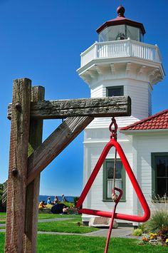 We have some great local lighthouses that make great summer family photo spots! Lighthouse Bell, Puget Sound, Washington, US