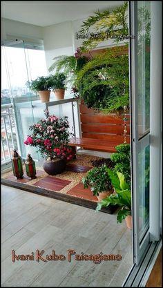 Não é a casa que nos abriga nós é que abrigamos a casa, pois é a ternura que sustenta o teto.  (Mia Couto)   Um dia de trabalho intenso para...