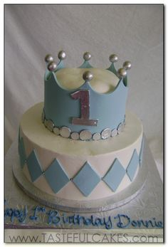 cake two 2 tier little boy baby shower crown prince first birthday pale blue silver white circle diamond fondant cute fun sweet dreamy whimsical fairytale